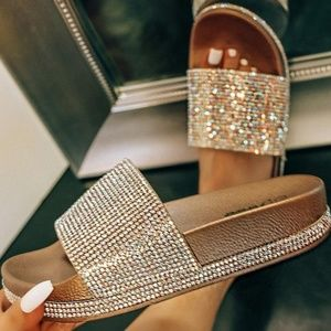 Shoes - 💕Gold Sparkle Open Toe Low Platform Mule Sandal
